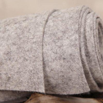 Wollfilz aus 100 % carbonisierter Wolle