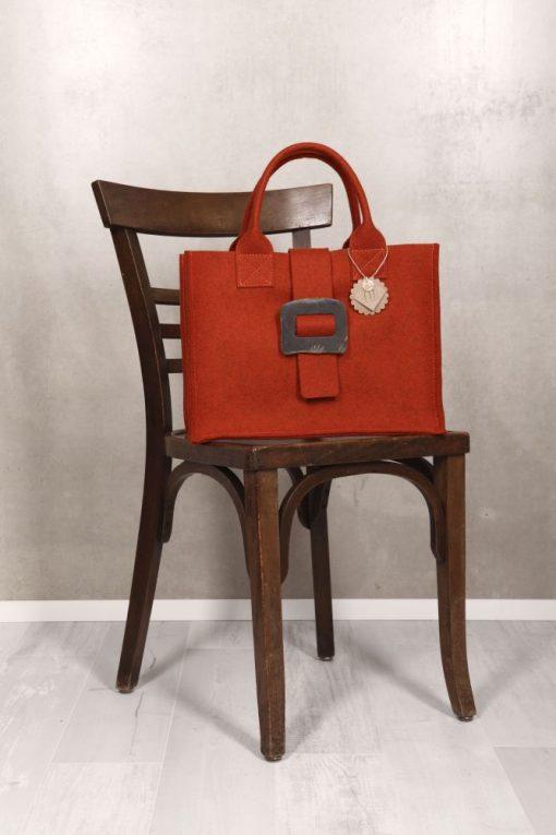 Filztasche Henkeltasche Rot Schließe aus Horn